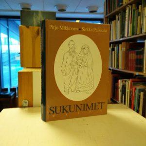 Pirjo Mikkonen, Sirkka Paikkala: Sukunimet