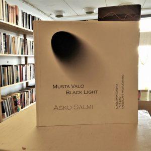 Asko Salmi - Musta Valo / Black Light - Maisemavalokuvia 1974-2000 Landscape photographs