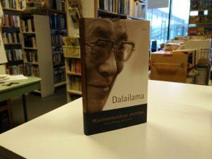 Maailmankaikkeus atomissa (Dalailama)