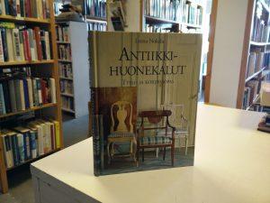 Antiikkihuonekalut - Tyyli- ja korjausopas (Leena Nokela)
