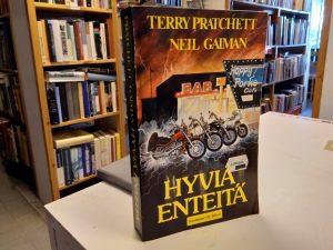 Hyviä enteitä (Terry Pratchett, Neil Gaiman)
